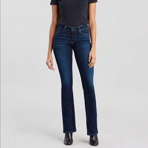 715 Bootcut Levi's Jeans